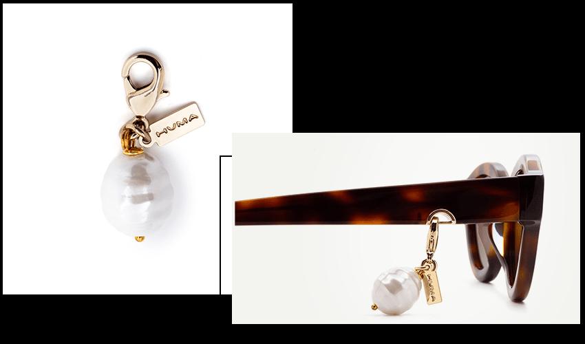 Occhiali Huma con accessori orecchini di perle